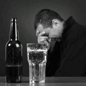 """Если алкоголик не хочет лечиться, его уговорят в клинике """"Детокс"""""""